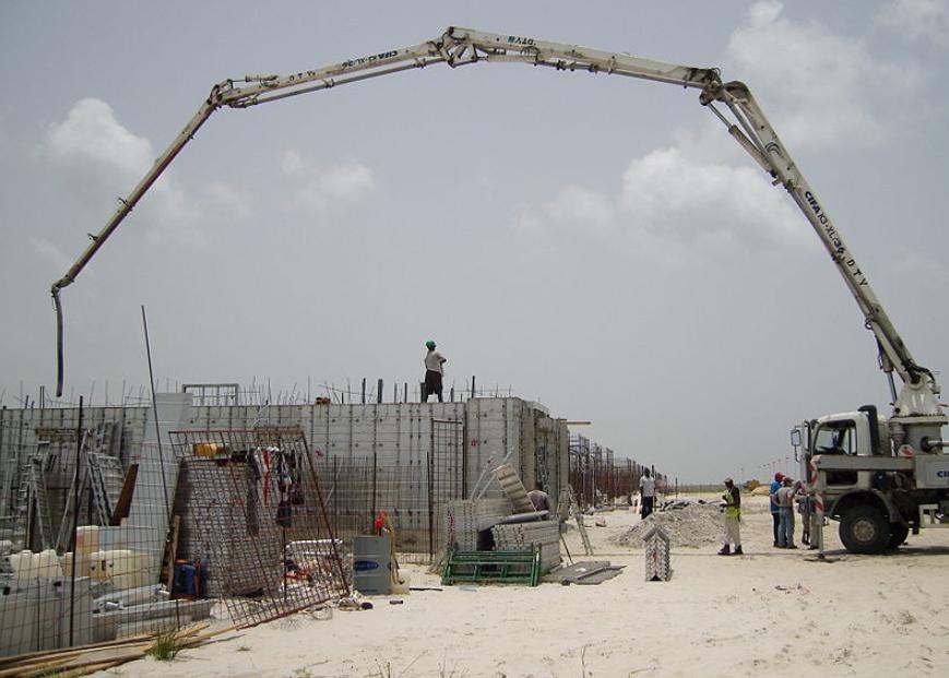 this image shows sacramento concrete pumping crane